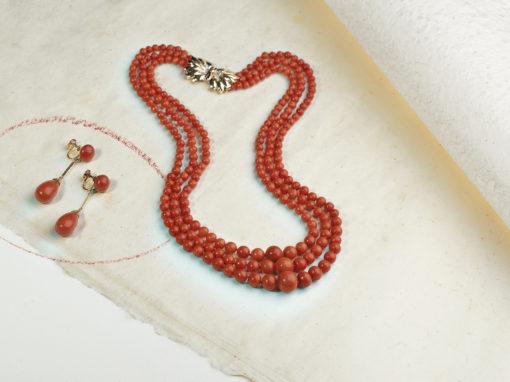 Parure époque 1950 corail, or et diamants
