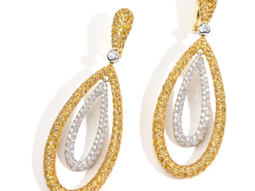 Boucles d'oreilles or jaune, diamants jonquille et blanc
