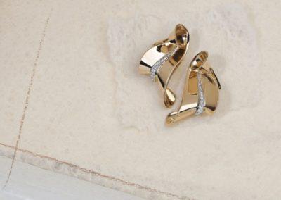 Boucles d'oreilles époque 1940 en or rosé et diamants